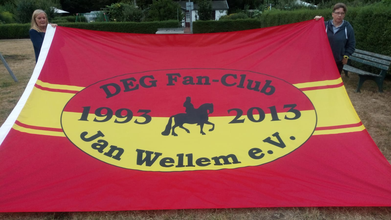 Neue Fahne DEG Fanclub Jan Wellem